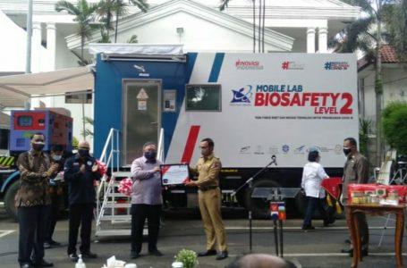 Menristek Serahkan Bantuan Mobil Lab BSL-2 ke Pemkot Bogor